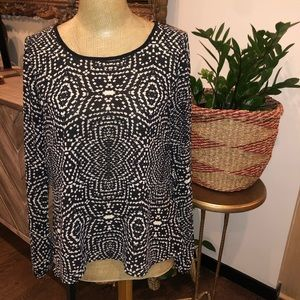 Flare Back Graphic Print Blouse